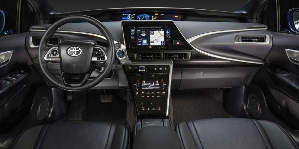 2016_Toyota_Fuel_Cell_Vehicle_0061