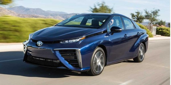 2016_Toyota_Fuel_Cell_Vehicle_0221