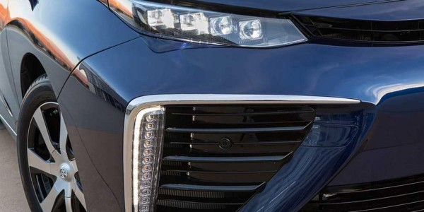 2016_Toyota_Fuel_Cell_Vehicle_0351