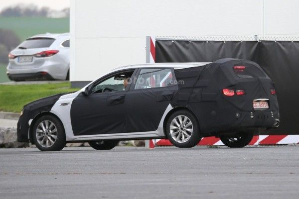 kia-optima-sw-spy-photo (4)