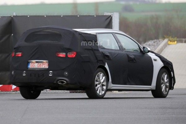 kia-optima-sw-spy-photo (5)